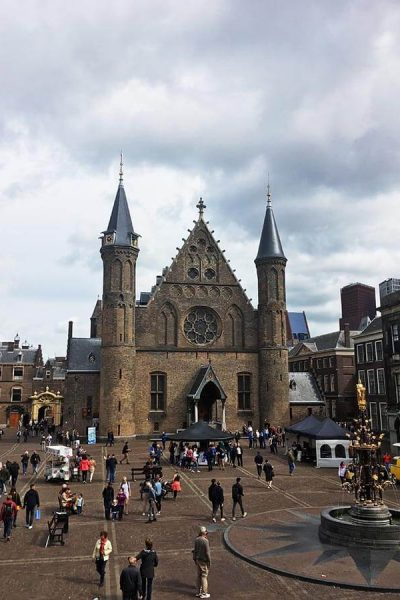 Resources for where to practice Dutch with native speakers for free in the Hague