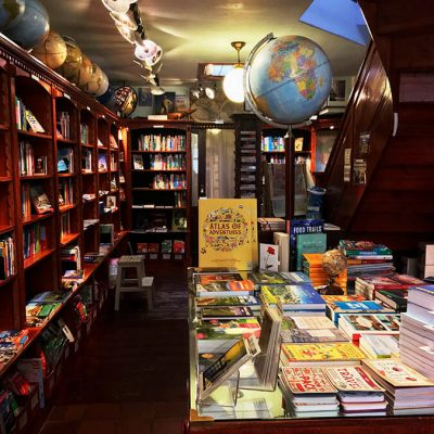 Beautiful travel-themed bookstore in the Hague!